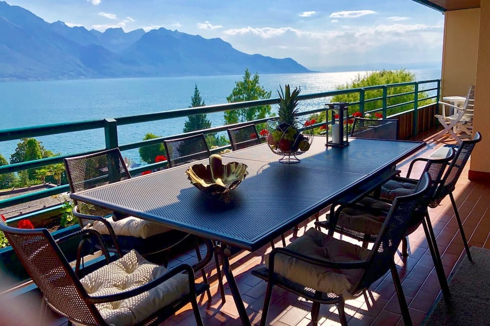 Luxury lake view apartment