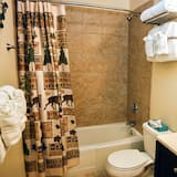 Apartment, Mehrere Betten, Balkon, Flussblick - Badezimmer