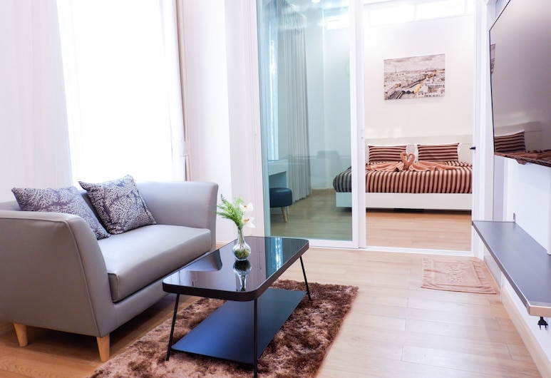 The Square 101, Bangkok, Suite, Living Area