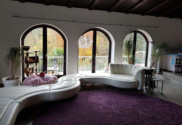 Villa im Naturschutzgebiet, Baden Badenas, Vila, Svetainės zona