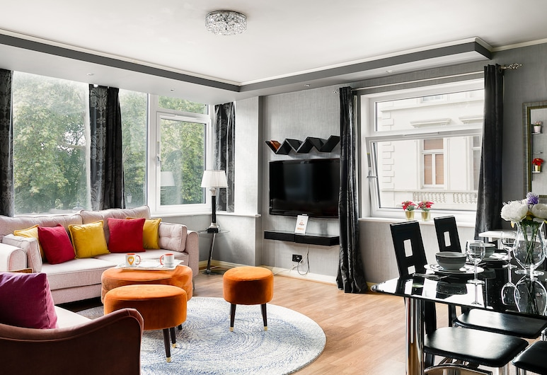 Spacious 3-bedroom Apartment Next to Museums, Lontoo, Huoneisto (3 Bedrooms), Oleskelualue
