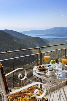 Picture of Nidimos Hotel in Delphi