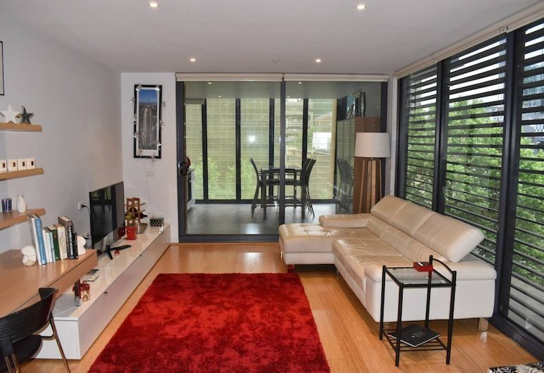 Spacious Apartment in the Heart of Melbourne's CBD, Melbourne, Living Room