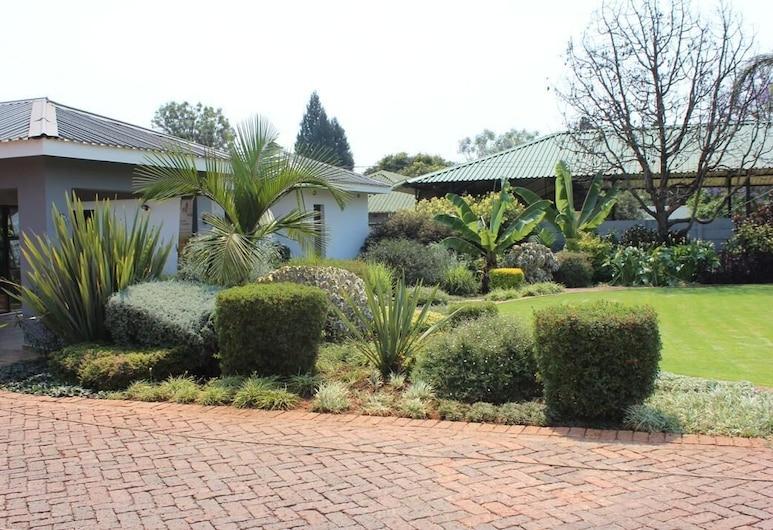 Sarum Lodge, Harare, Utvendig