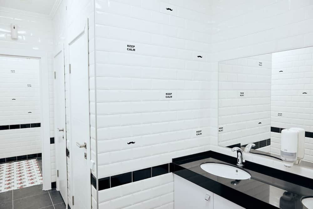 Shared Dormitory, Men only (14 beds) - Bathroom
