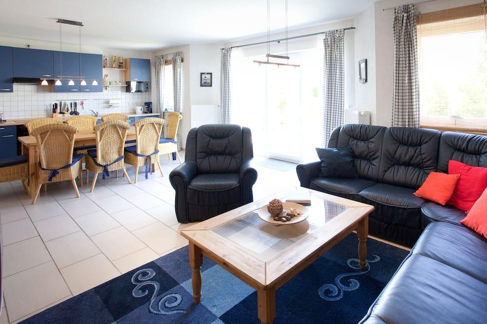 Family Apartment, Private Bathroom (Stella EG) - Living Room
