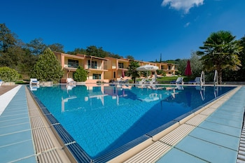 Picture of Rivendell Apartments in Corfu
