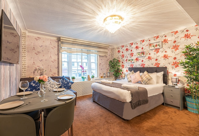 Lovely Studio With A.C Next Oxford St& Hyde P, Londen, Studio, privébadkamer, Kamer