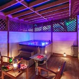 Spa Fog - Extra person charge on site more than 2 people - Private spa tub