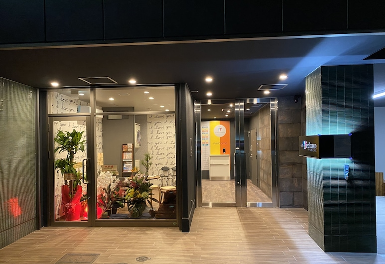 HOTEL ffosaka.com, Osaka, Fasaden på overnattingsstedet – kveld