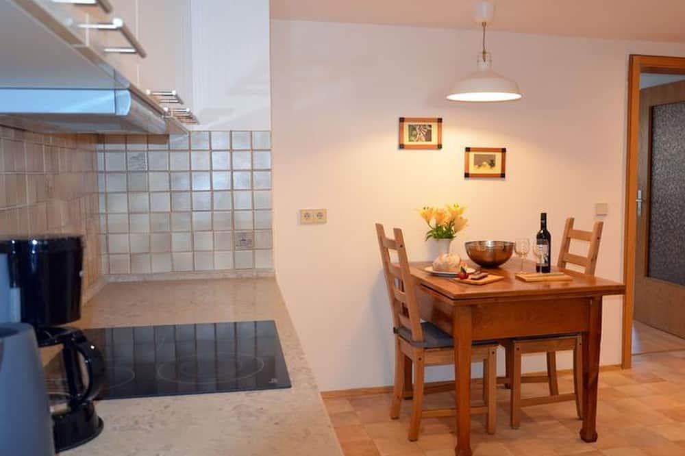 apartman (Mercyscher Hof) - Étkezés a szobában