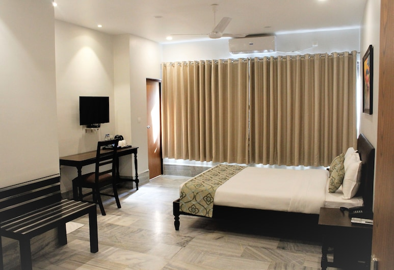 Central Hotel, Phuntsholing, Executive Room, Balcony, Guest Room