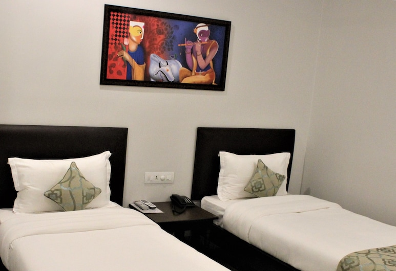 Central Hotel, Phuntsholing, Superior Twin Room, Guest Room