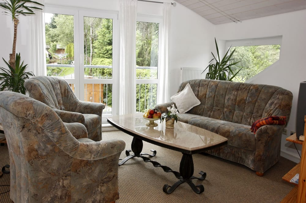 Studio, 1 Queen Bed (Brend) - Living Area