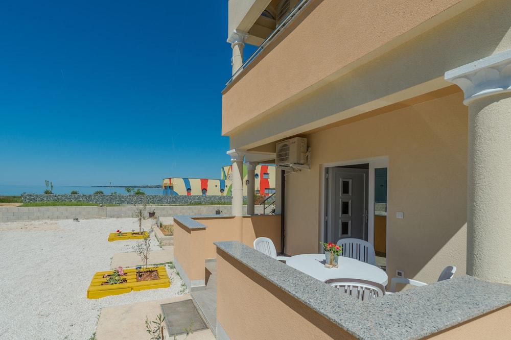 شقة - بمنظر للبحر (A2) - تِراس/ فناء مرصوف
