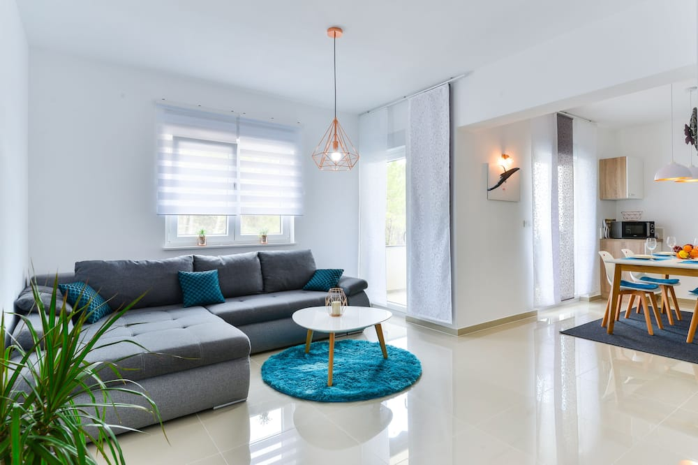 Apartment, 1 Bedroom, Sea View (A1) - Living Area