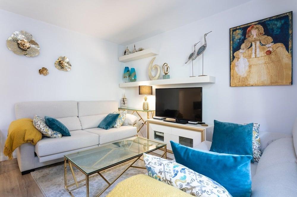 Apartment, 3 Bedrooms, Balcony - In-Room Amenity