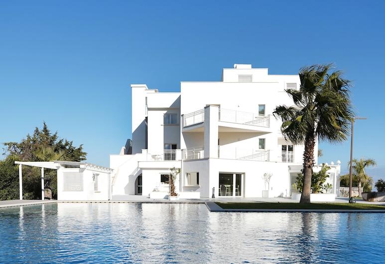 聖洛倫索精品飯店及 SPA - 貝斯特韋斯特頂級精選, 波利尼亞諾濱海區, 室外游泳池