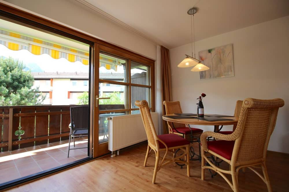 Apartment, 1 Bedroom, Balcony, Mountain View (Bergsonne) - In-Room Dining