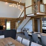 Cedar Lakeside 8+ Lodge (Montrose) - Living Area