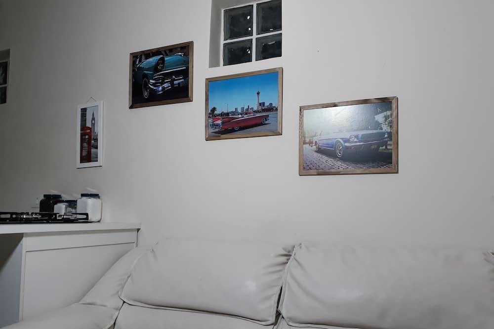 Traditional Studio Suite - Living Area