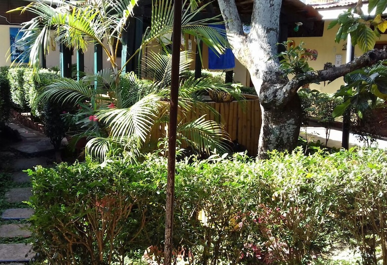 Hotel el Meson, إستيلي, حديقة