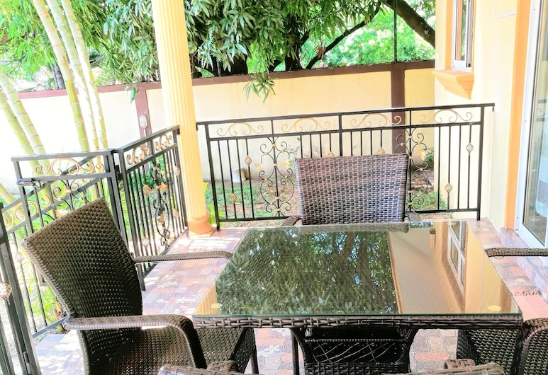 Apartment With 2 Bedrooms in Flic en Flac, With Wonderful Mountain View, Enclosed Garden and Wifi - 300 m From the Beach, Flic-en-Flac