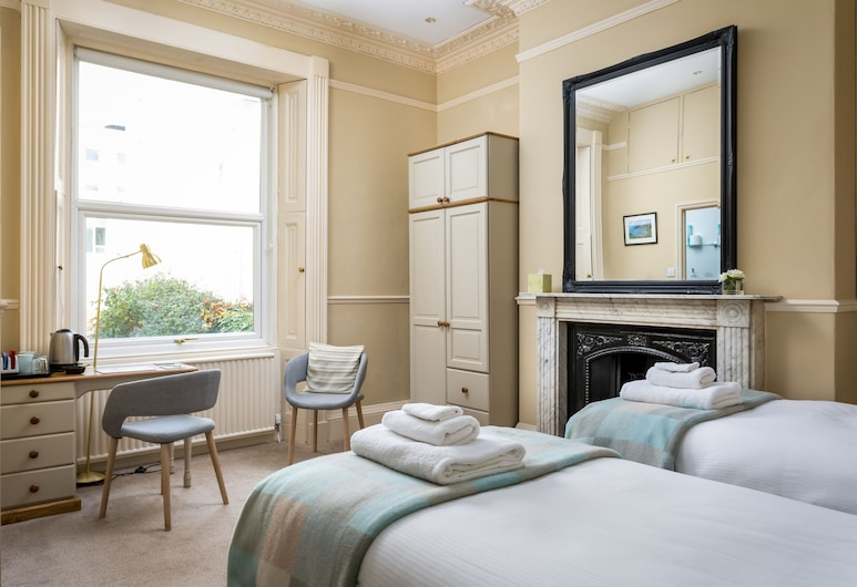 Crossways Guest House, Cheltenham, Double or Twin Room, Private Bathroom, Guest Room