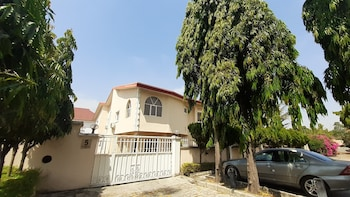 Picture of Top-Notch Suites and Apartments in Abuja