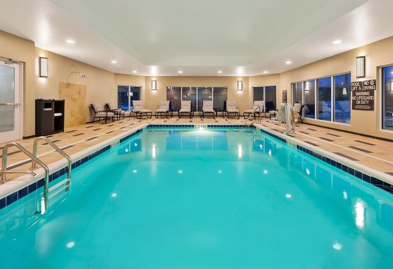 Candlewood Suites Louisville - NE Downtown Area, לואיסוויל, בריכה