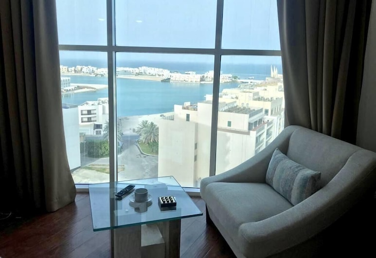Saxophone Suites, Muharraq, Apartment, 2 Bedrooms, Sea View, Living Area