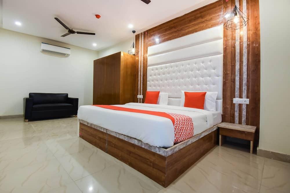 Capital O 28712 The Shivaay Hotel