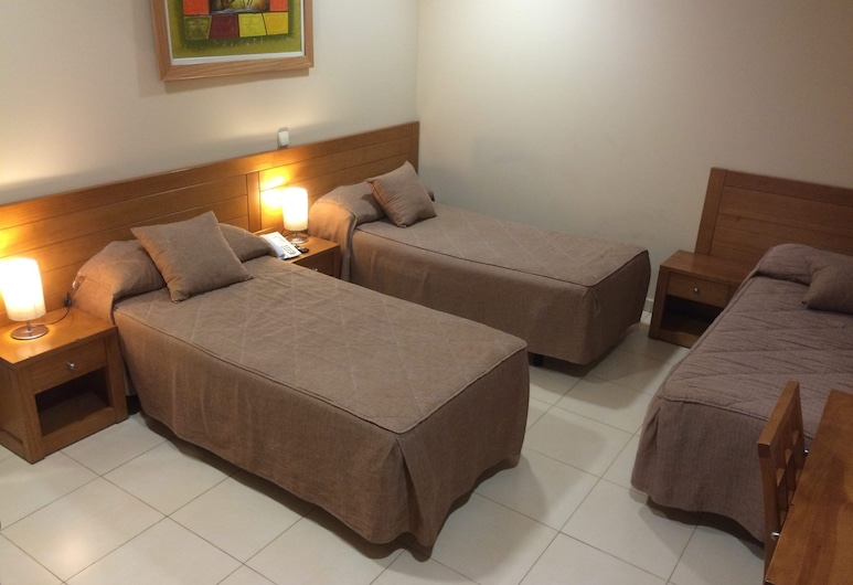 Hostal Aeropuerto, Madryt, Pokój dla 3 osób, 3 łóżka pojedyncze, Pokój