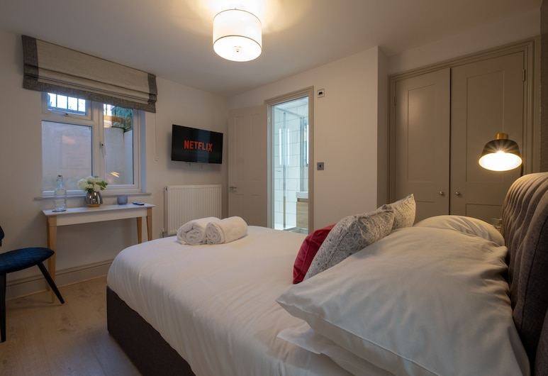 Kings House by Karah Boutiques, Reading, Superior Double Room (Room 1), Guest Room