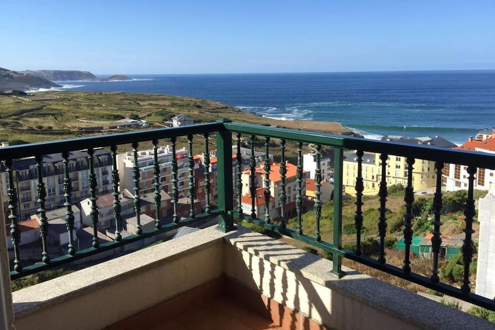 Apartment With 3 Bedrooms in Malpica, With Furnished Terrace