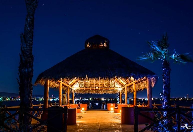 パライソ デル マール リゾート E202、ベッドルーム 2 室、カサゴ, ラパス, コンドミニアム 2 ベッドルーム, プール