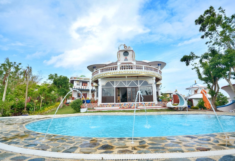 Jade's Casa de Arte, Boracay Island