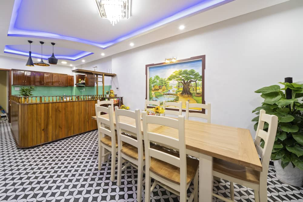 Family House - Shared kitchen