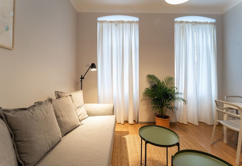 Pretty and Modern Apartment - Close TO Center, Vienna, Apartment (1 Bedroom), Living Room