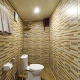 Deluxe Wooden Room - Bathroom