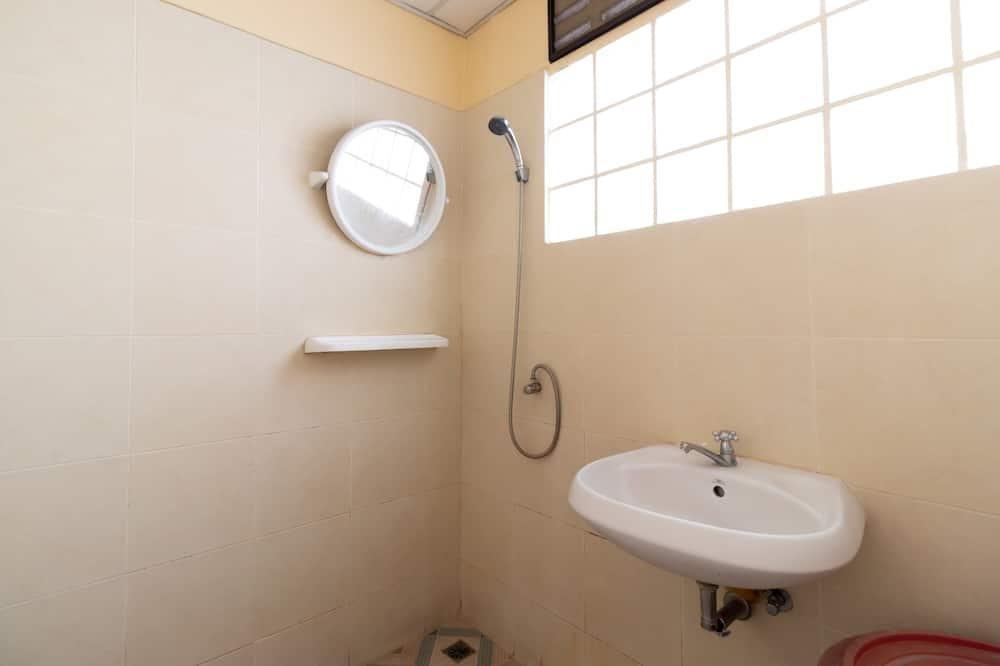 Mixed Dormitory 4 Bunk Beds - חדר רחצה