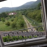Camera con letto matrimoniale o 2 letti singoli (Le Rose) - Vista balcone