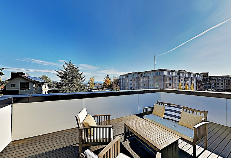Chic Capitol Hill Townhome W/ Rooftop Deck & Ac 3 Bedroom Townhouse, Seattle, House, 3 Bedrooms, Balcony