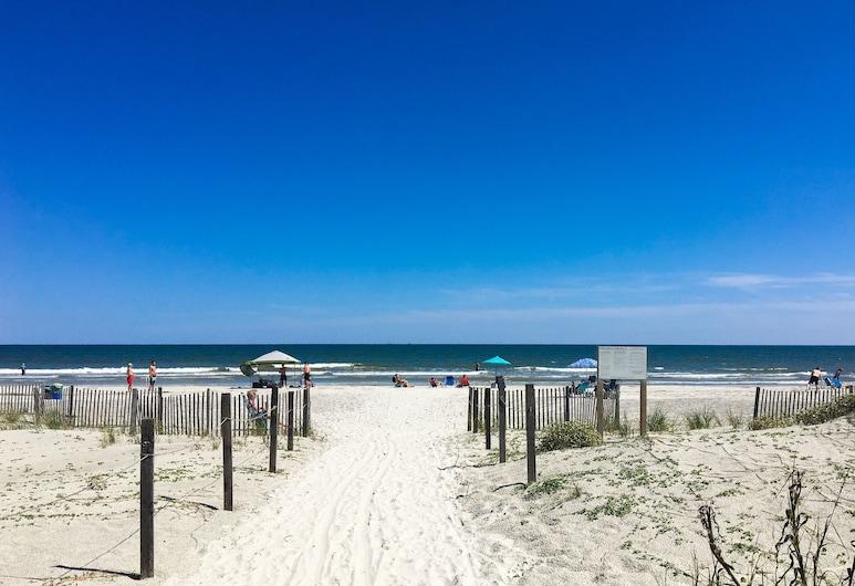 New Listing! Stylish : 2 Pools & Beach Cabana 2 Bedroom Condo, Χίλτον Χεντ Άιλαντ, Διαμέρισμα (Condo), 3 Υπνοδωμάτια, Παραλία