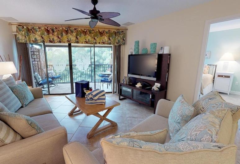 Sun Plaza West - 204, Holmes Beach, Living Room