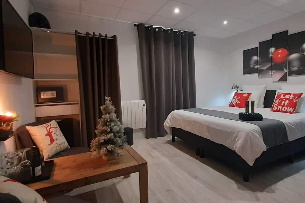 Design Suite, 1 King Bed, Jetted Tub, Mountain View - Guest Room