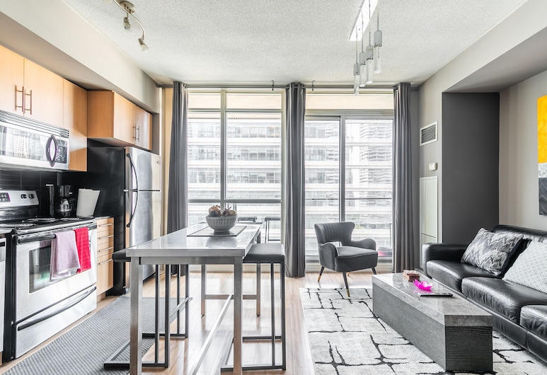 Newly Designed 1BR Executive Suite Great Location, Toronto