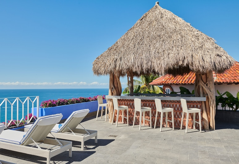 Patio Azul Hotelito Boutique Adults Only, Puerto Vallarta, Poolside Bar