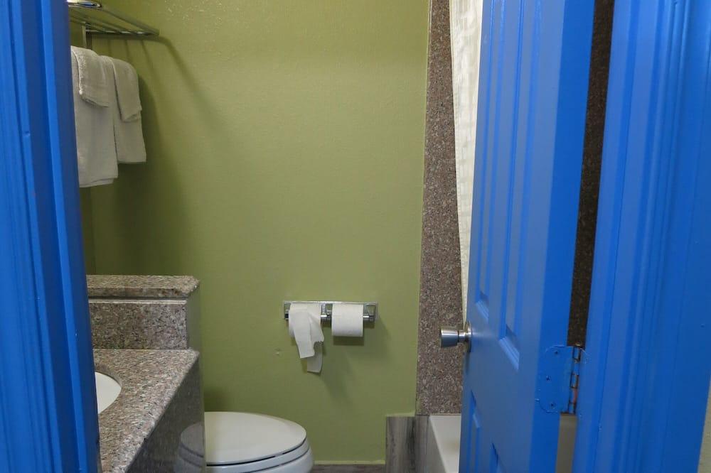 Δωμάτιο, 2 Queen Κρεβάτια - Μπάνιο