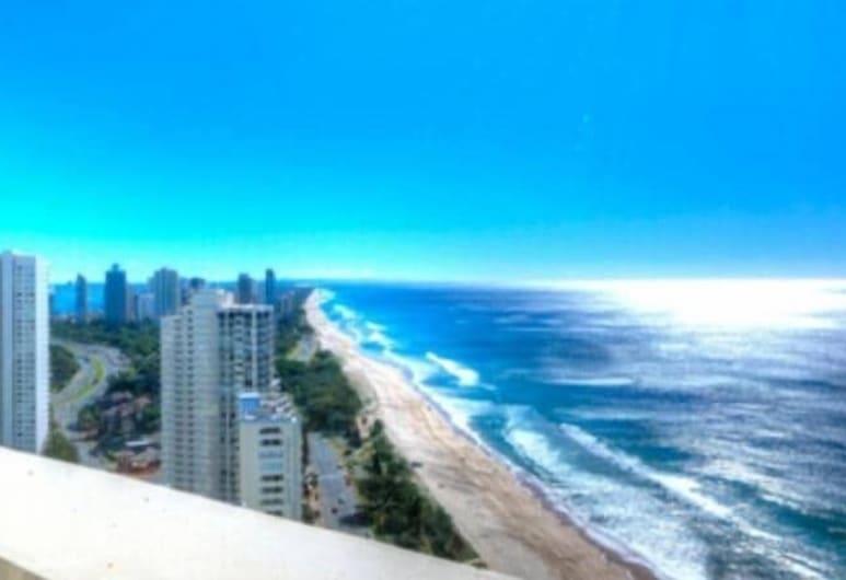 Oceanfront in Surfers Paradise Retreat, Surfers Paradise, Design Apartment, Beach
